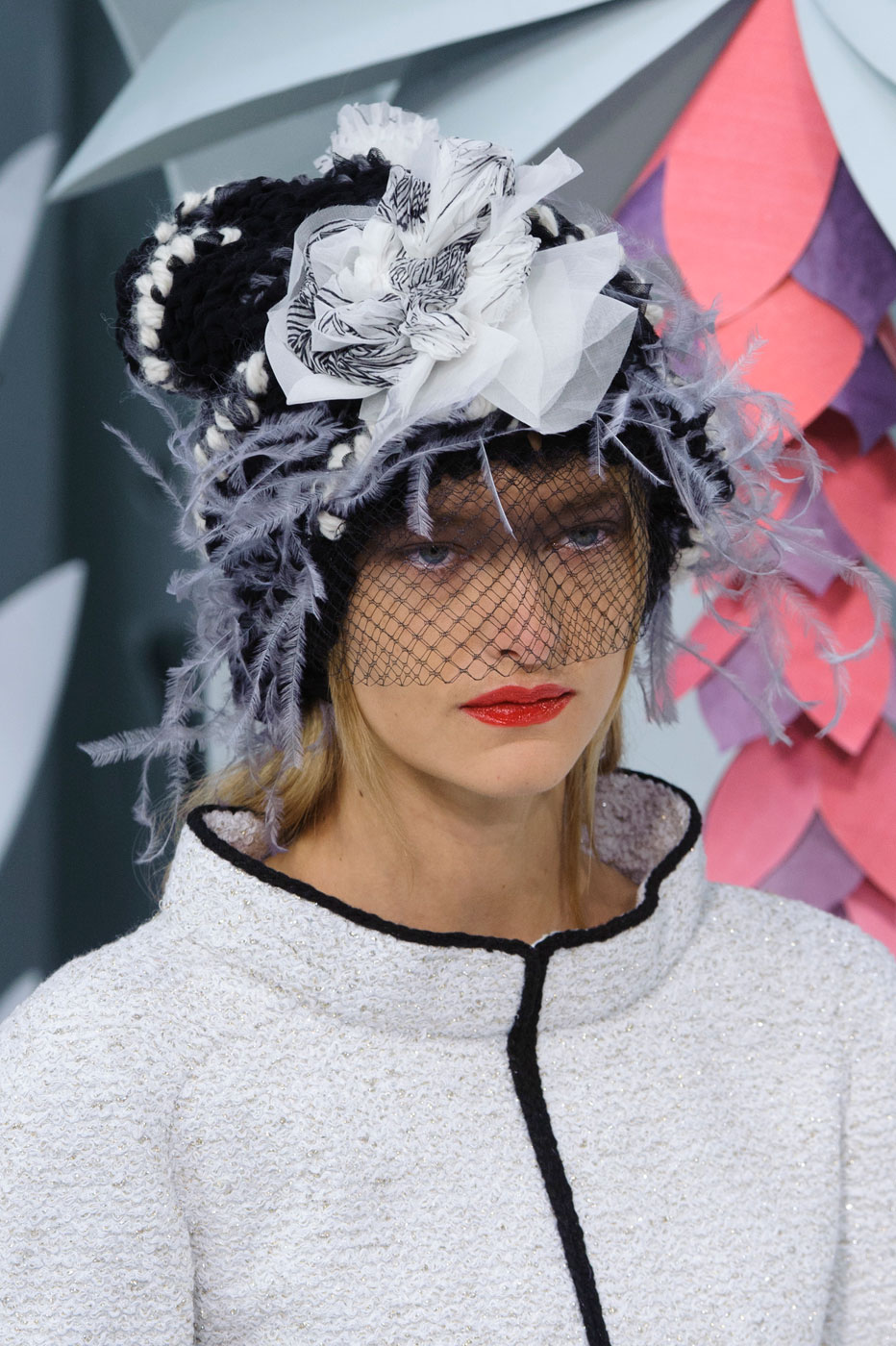 Chanel-fashion-runway-show-close-ups-haute-couture-paris-spring-summer-2015-the-impression-021