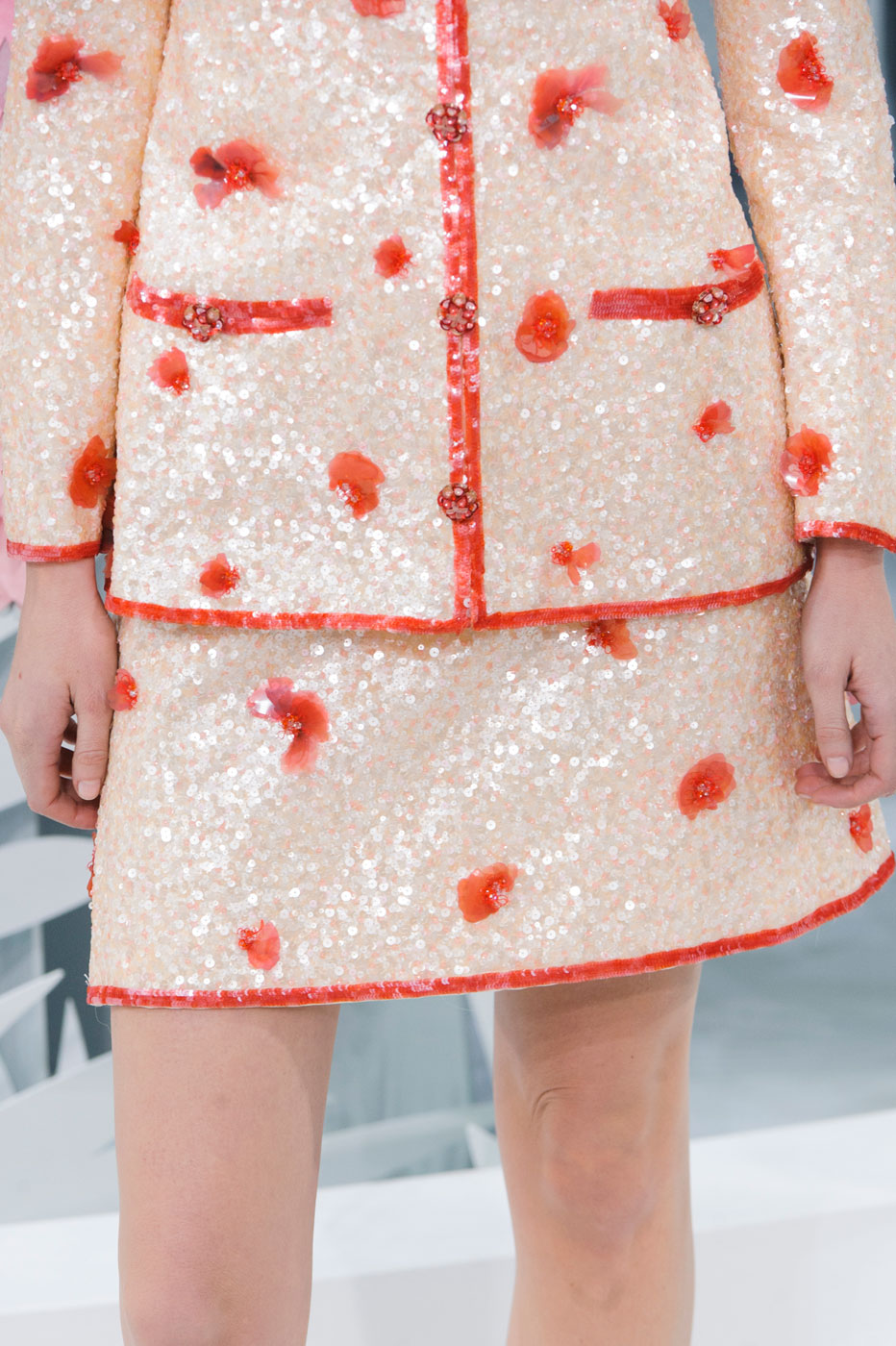 Chanel-fashion-runway-show-close-ups-haute-couture-paris-spring-summer-2015-the-impression-053