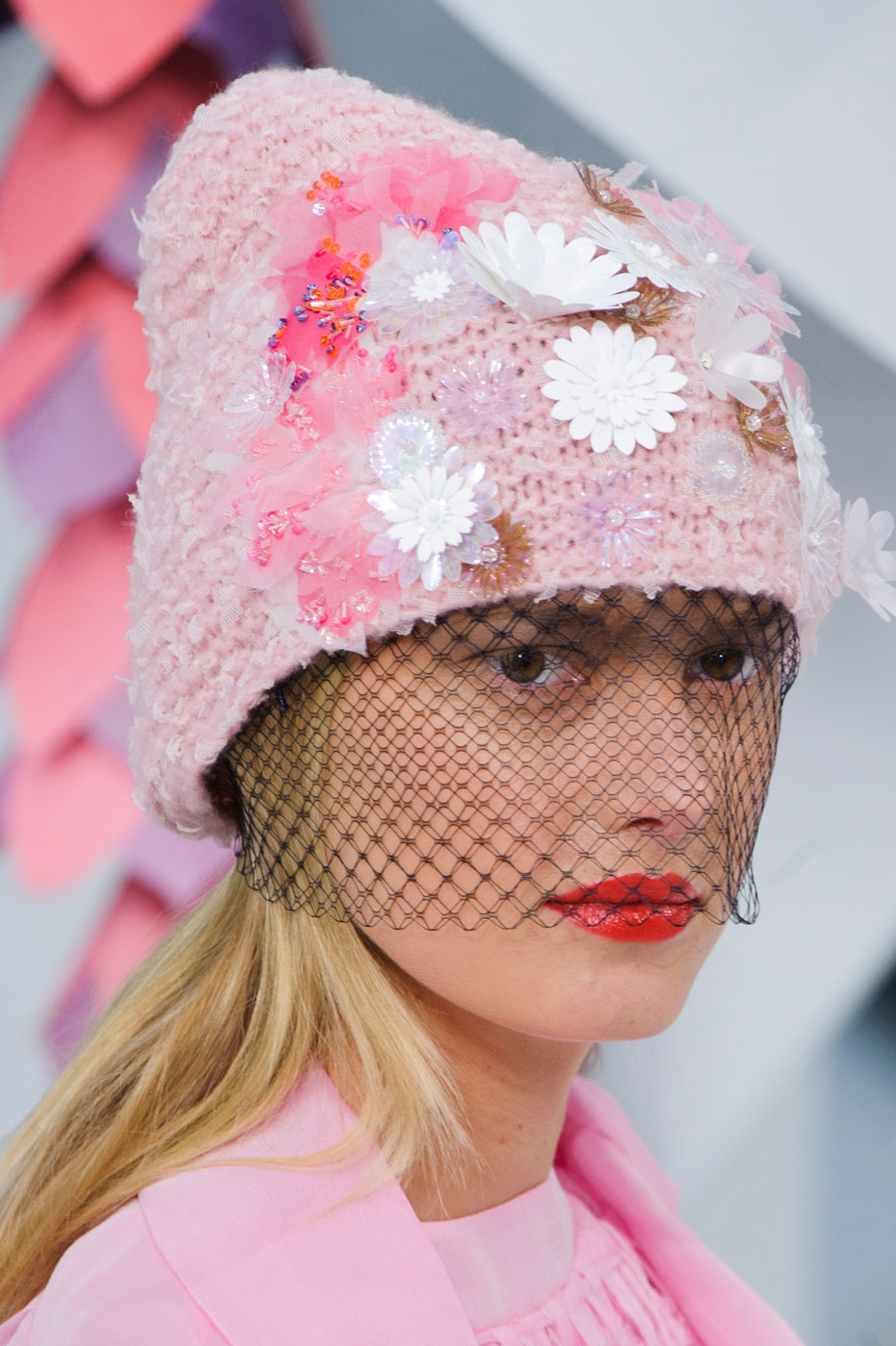 Chanel-fashion-runway-show-close-ups-haute-couture-paris-spring-summer-2015-the-impression-063