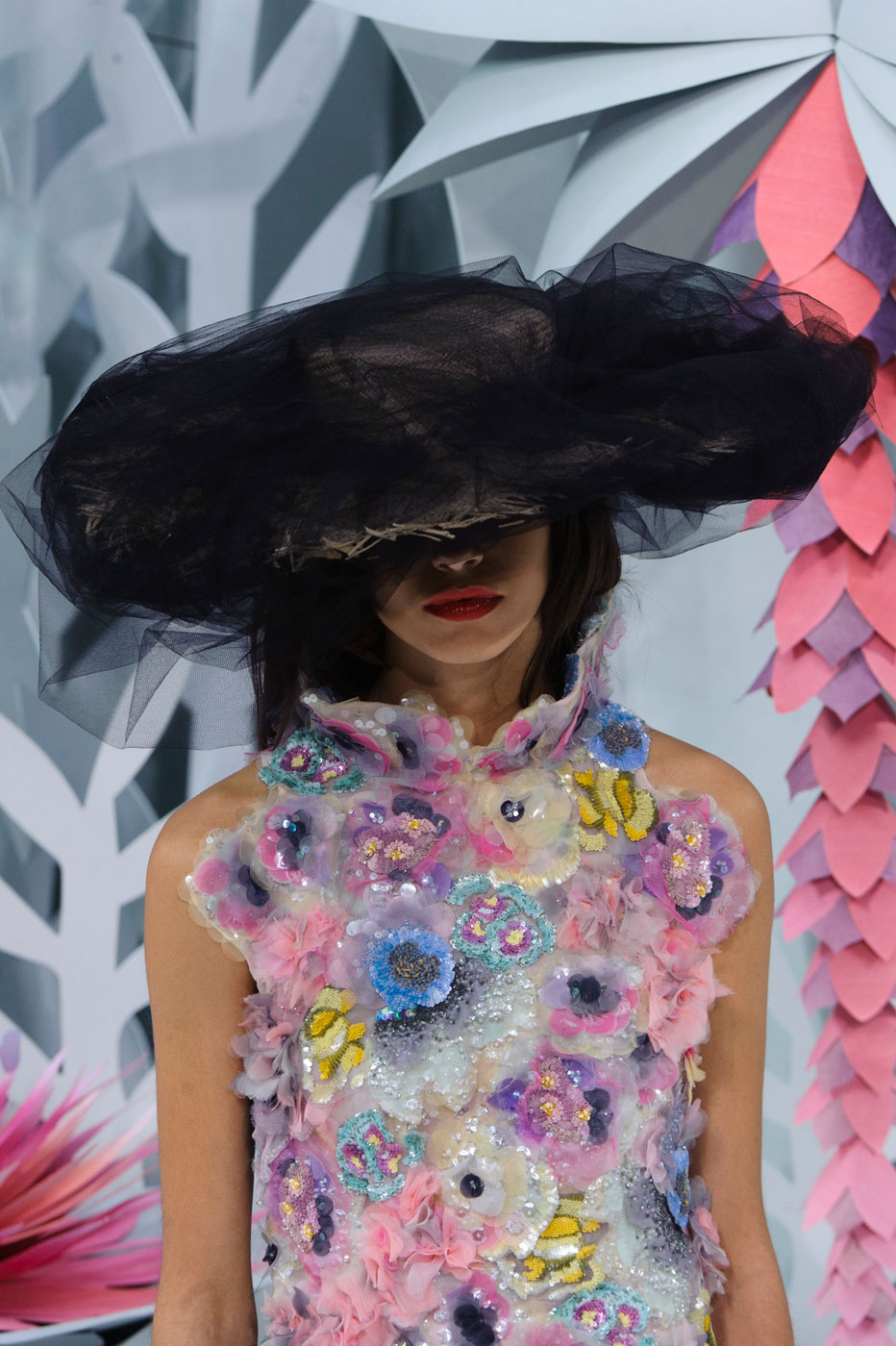 Chanel-fashion-runway-show-close-ups-haute-couture-paris-spring-summer-2015-the-impression-123