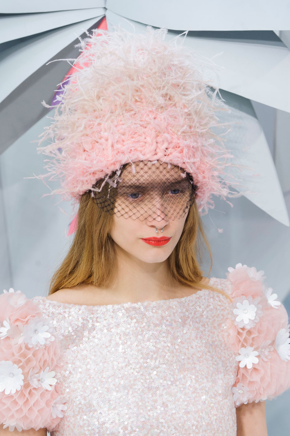 Chanel-fashion-runway-show-close-ups-haute-couture-paris-spring-summer-2015-the-impression-144