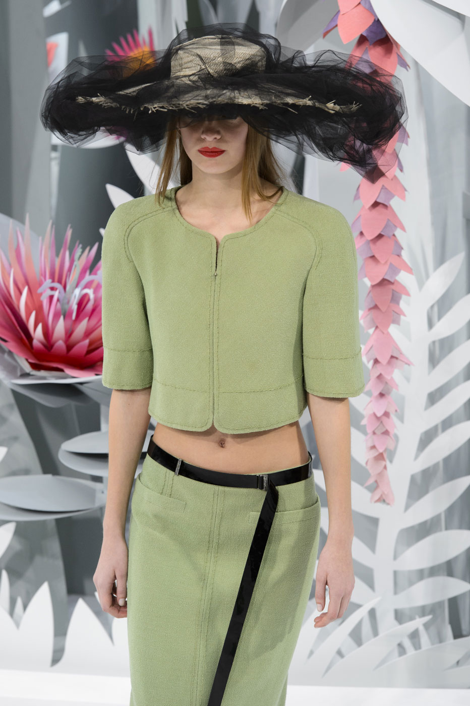 Chanel-fashion-runway-show-haute-couture-paris-spring-summer-2015-the-impression-018
