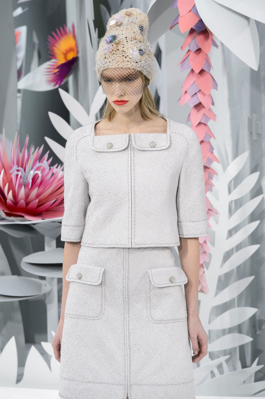 Chanel-fashion-runway-show-haute-couture-paris-spring-summer-2015-the-impression-022