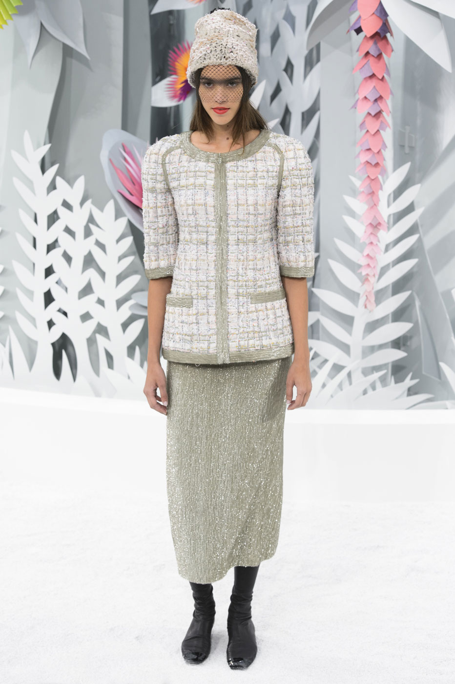 Chanel-fashion-runway-show-haute-couture-paris-spring-summer-2015-the-impression-056
