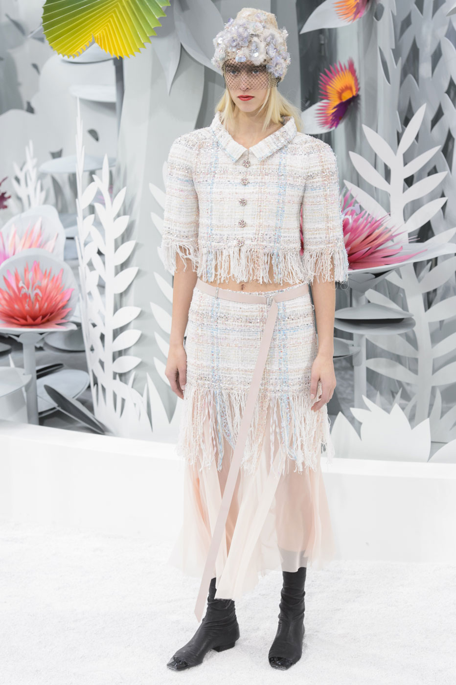Chanel-fashion-runway-show-haute-couture-paris-spring-summer-2015-the-impression-058
