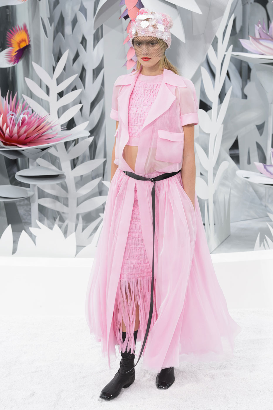Chanel-fashion-runway-show-haute-couture-paris-spring-summer-2015-the-impression-073