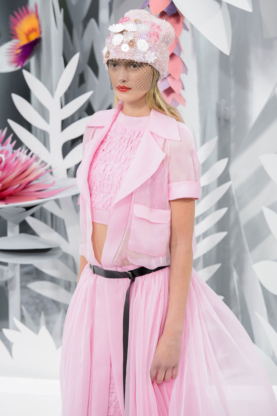 Chanel-fashion-runway-show-haute-couture-paris-spring-summer-2015-the-impression-074