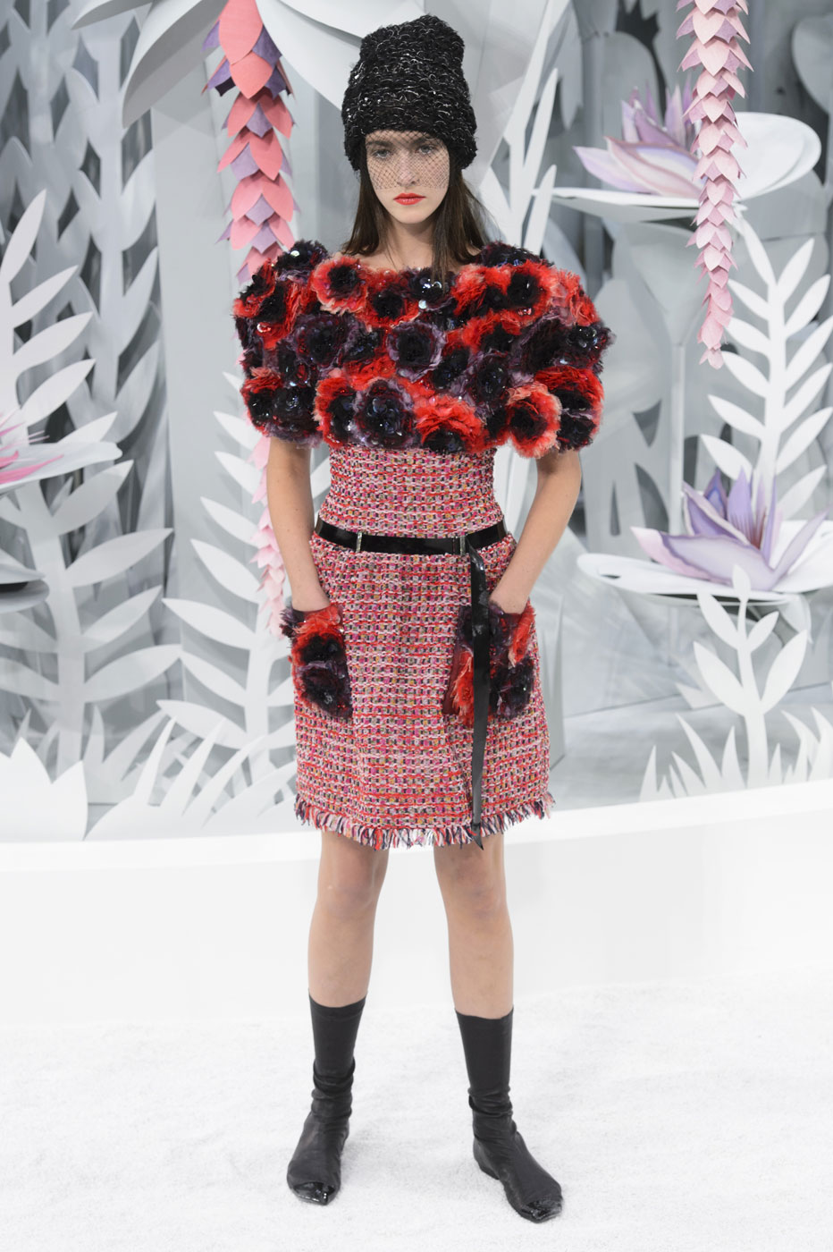 Chanel-fashion-runway-show-haute-couture-paris-spring-summer-2015-the-impression-086