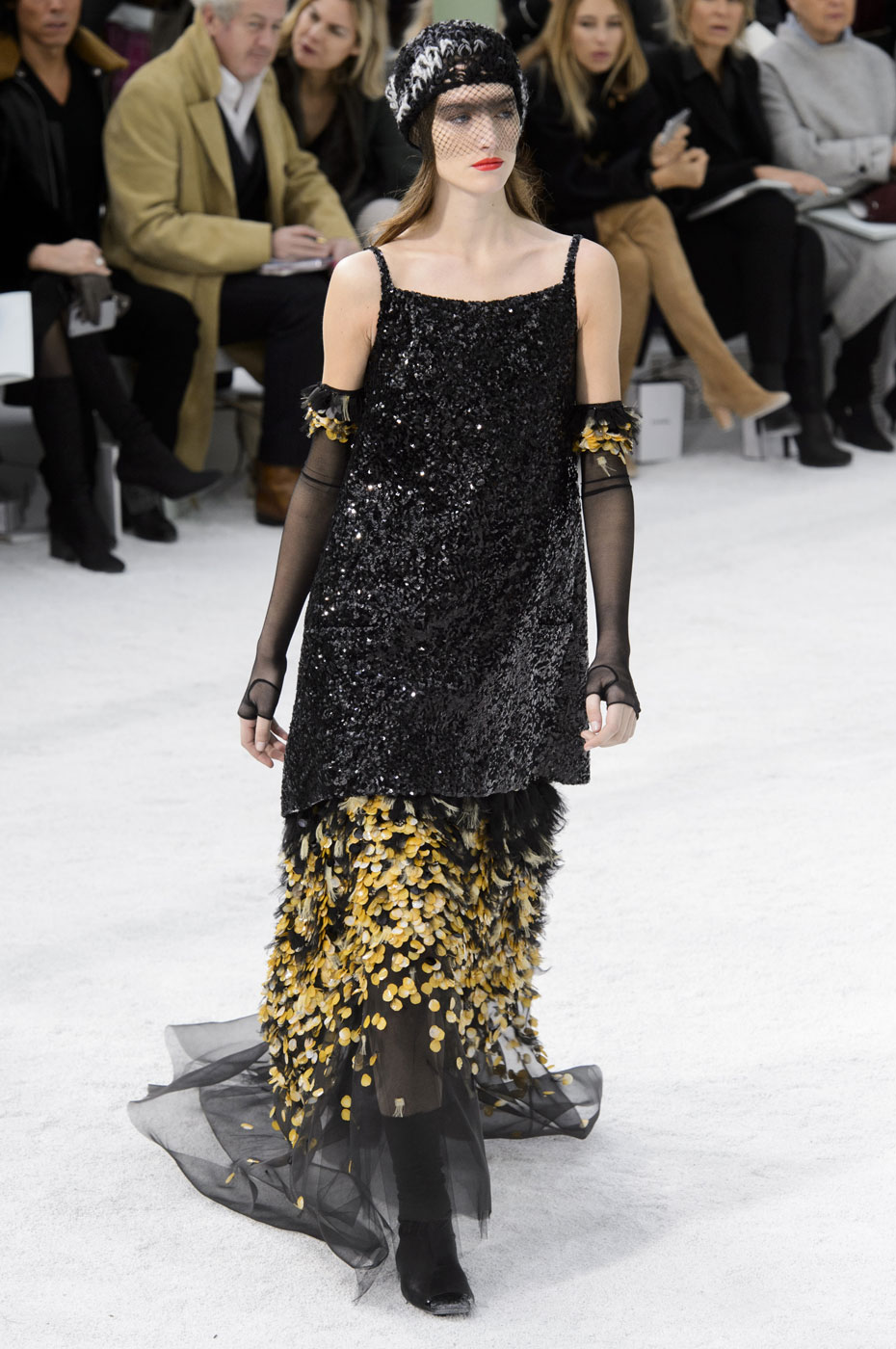 Chanel-fashion-runway-show-haute-couture-paris-spring-summer-2015-the-impression-111