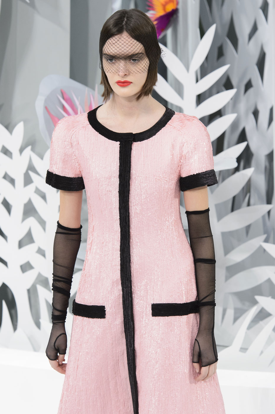 Chanel-fashion-runway-show-haute-couture-paris-spring-summer-2015-the-impression-116
