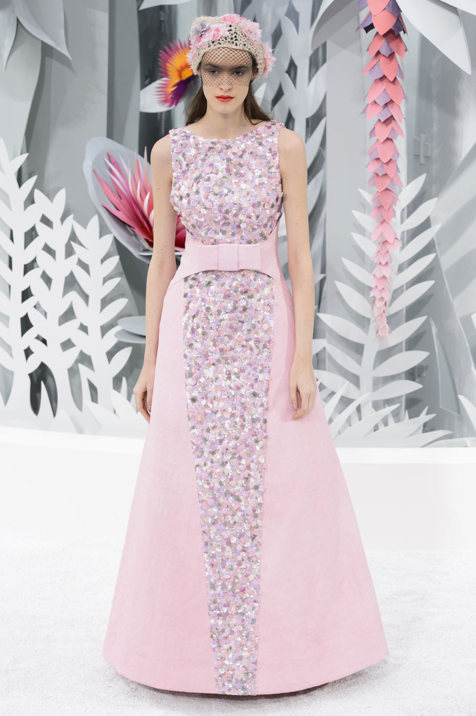 Chanel-fashion-runway-show-haute-couture-paris-spring-summer-2015-the-impression-131