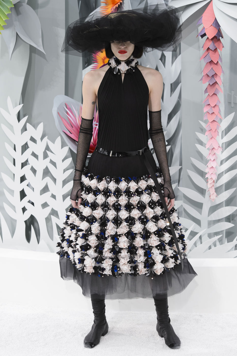 Chanel-fashion-runway-show-haute-couture-paris-spring-summer-2015-the-impression-135