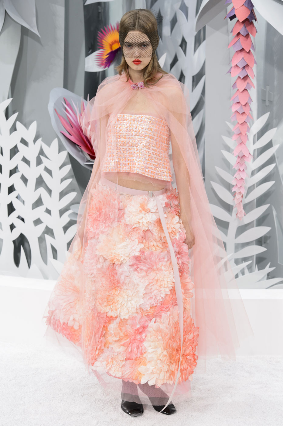 Chanel-fashion-runway-show-haute-couture-paris-spring-summer-2015-the-impression-139