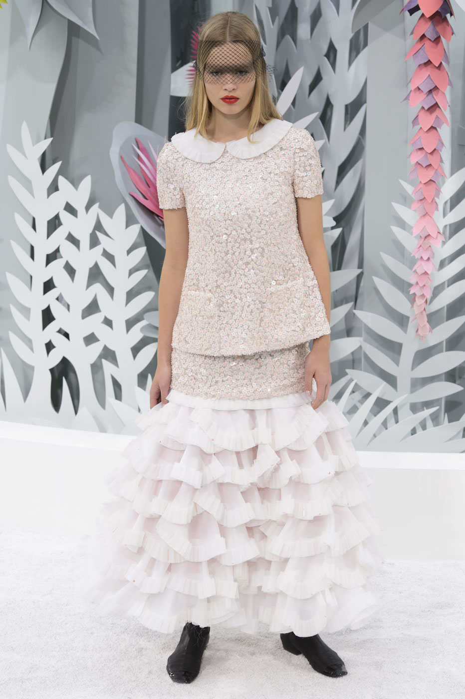 Chanel-fashion-runway-show-haute-couture-paris-spring-summer-2015-the-impression-145