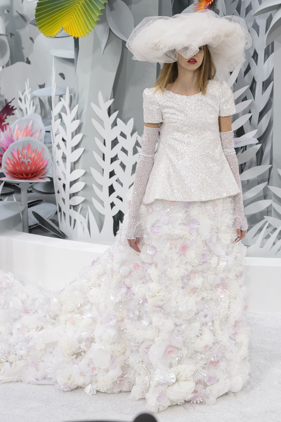 Chanel-fashion-runway-show-haute-couture-paris-spring-summer-2015-the-impression-155