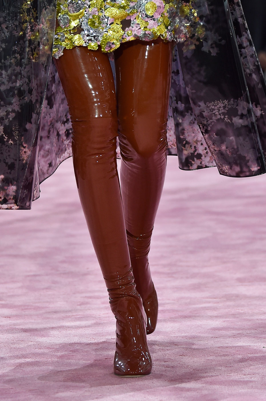 Christian-Dior-fashion-runway-show-close-ups-haute-couture-paris-spring-summer-2015-the-impression-006