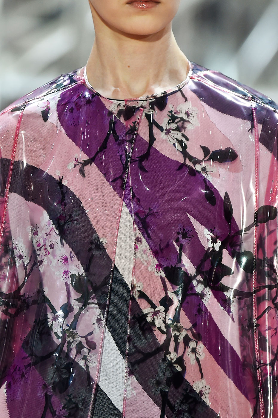Christian-Dior-fashion-runway-show-close-ups-haute-couture-paris-spring-summer-2015-the-impression-106