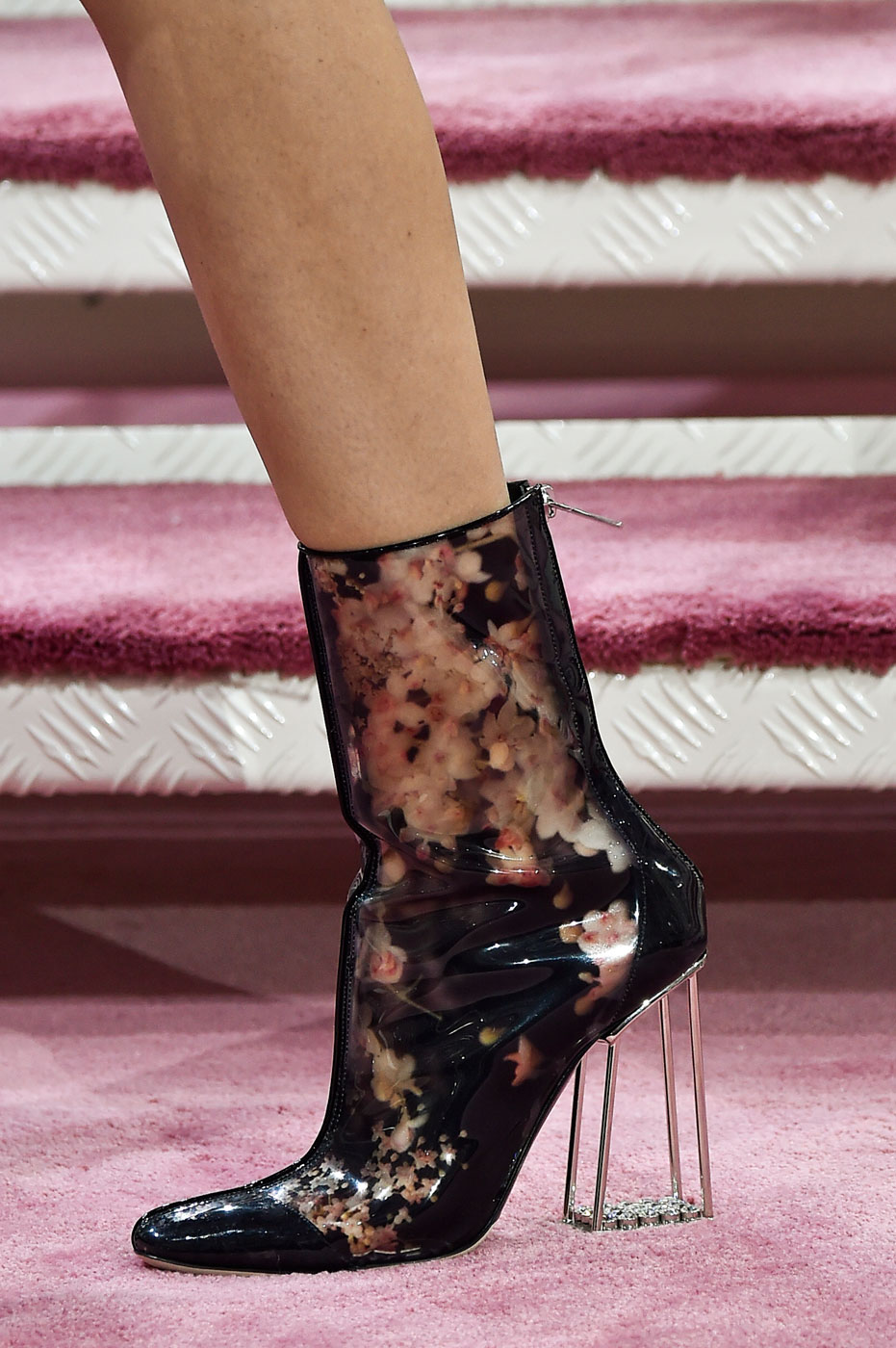 Christian-Dior-fashion-runway-show-close-ups-haute-couture-paris-spring-summer-2015-the-impression-129
