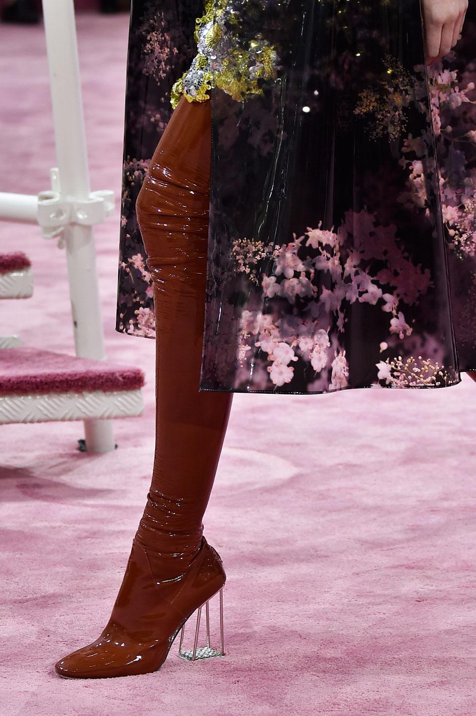 Christian-Dior-fashion-runway-show-close-ups-haute-couture-paris-spring-summer-2015-the-impression-152