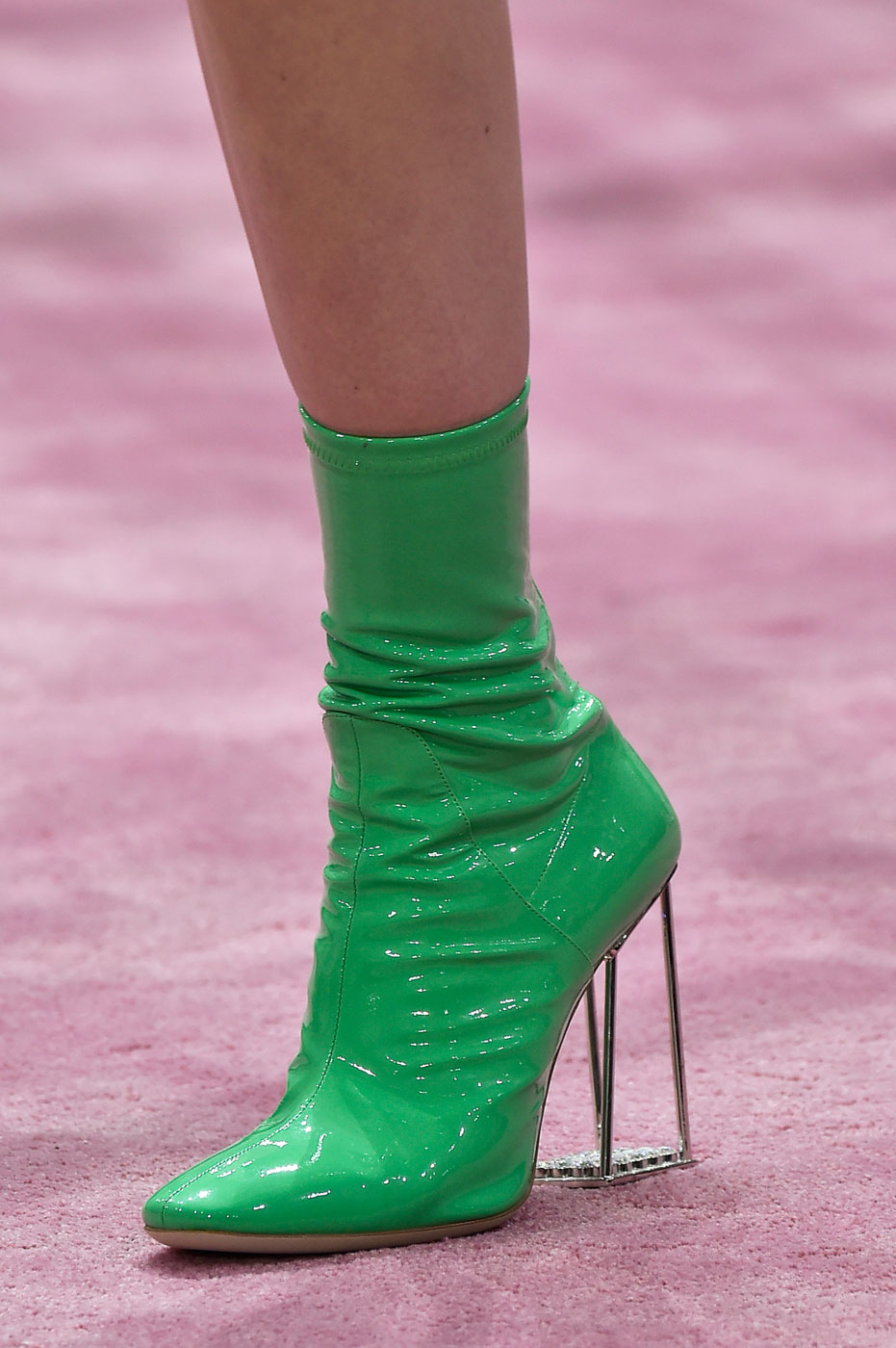 Christian-Dior-fashion-runway-show-close-ups-haute-couture-paris-spring-summer-2015-the-impression-160