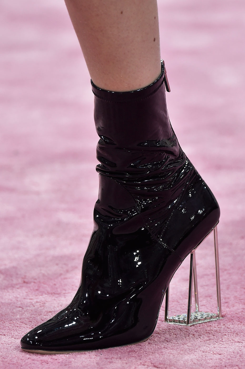 Christian-Dior-fashion-runway-show-close-ups-haute-couture-paris-spring-summer-2015-the-impression-161