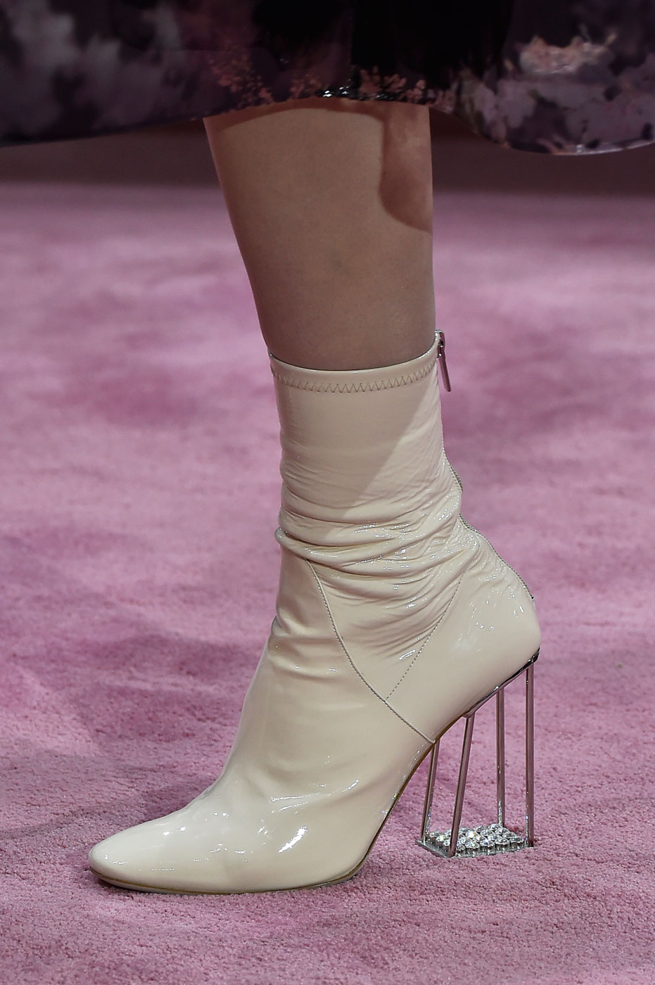 Christian-Dior-fashion-runway-show-close-ups-haute-couture-paris-spring-summer-2015-the-impression-168