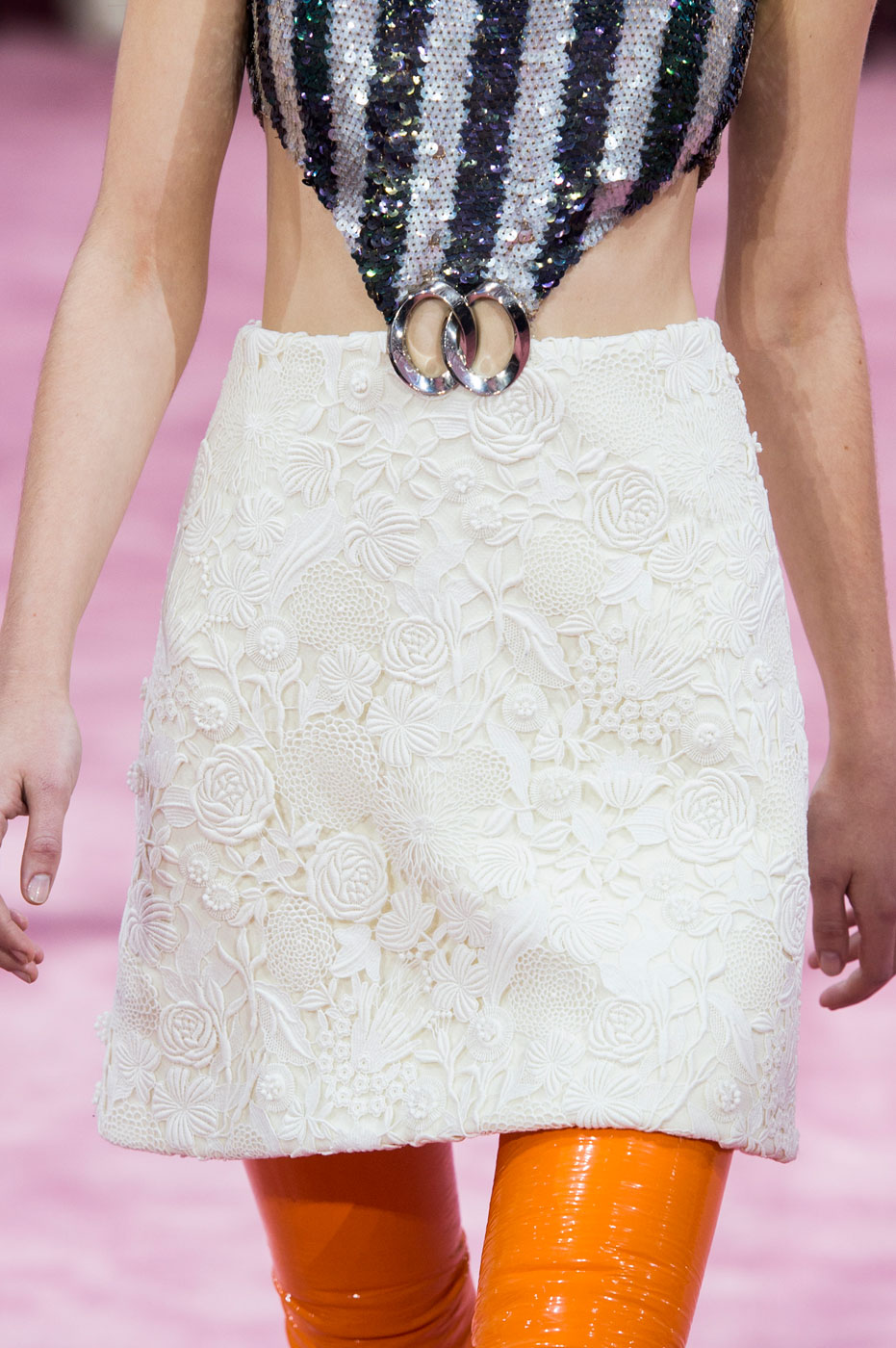 Christian-Dior-fashion-runway-show-close-ups-haute-couture-paris-spring-summer-2015-the-impression-193