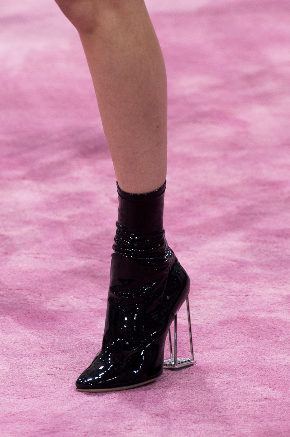 Christian-Dior-fashion-runway-show-close-ups-haute-couture-paris-spring-summer-2015-the-impression-202