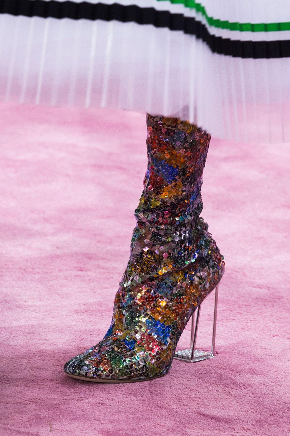 Christian-Dior-fashion-runway-show-close-ups-haute-couture-paris-spring-summer-2015-the-impression-205