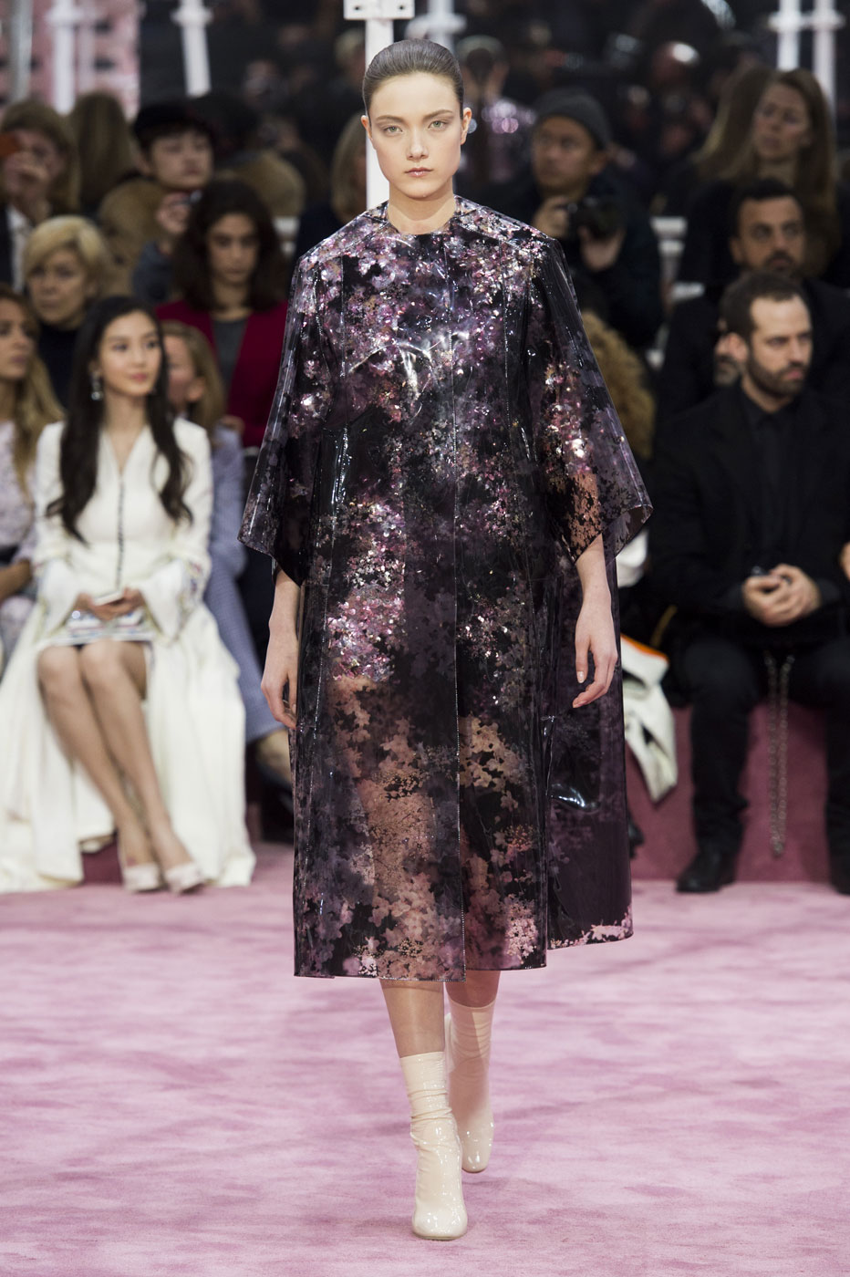 Christian-Dior-fashion-runway-show-haute-couture-paris-spring-summer-2015-the-impression-051