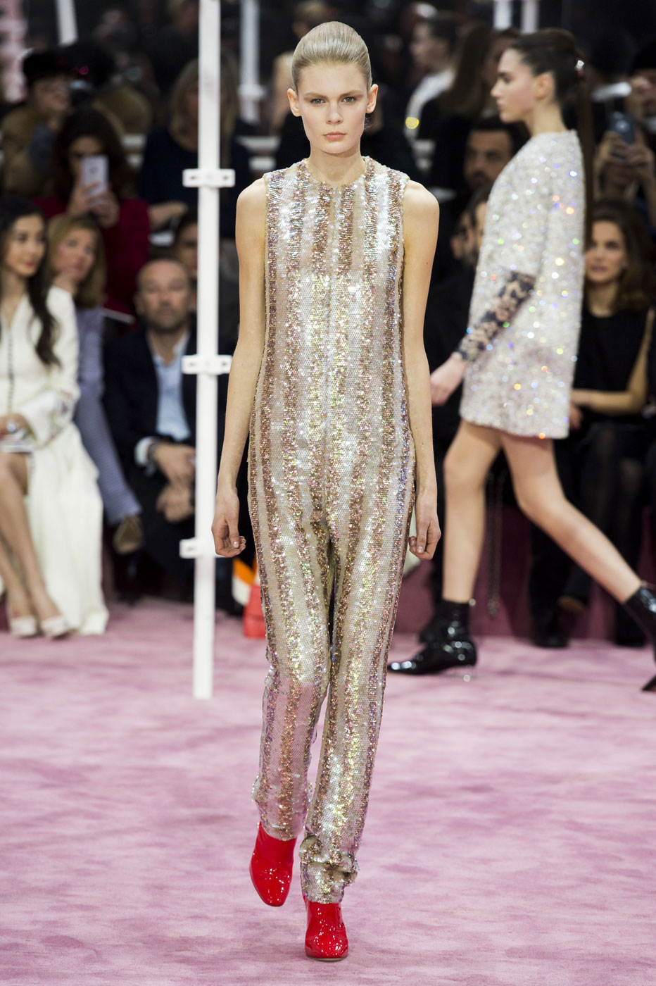 Christian-Dior-fashion-runway-show-haute-couture-paris-spring-summer-2015-the-impression-059