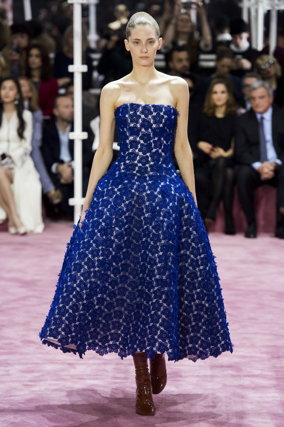 Christian-Dior-fashion-runway-show-haute-couture-paris-spring-summer-2015-the-impression-074