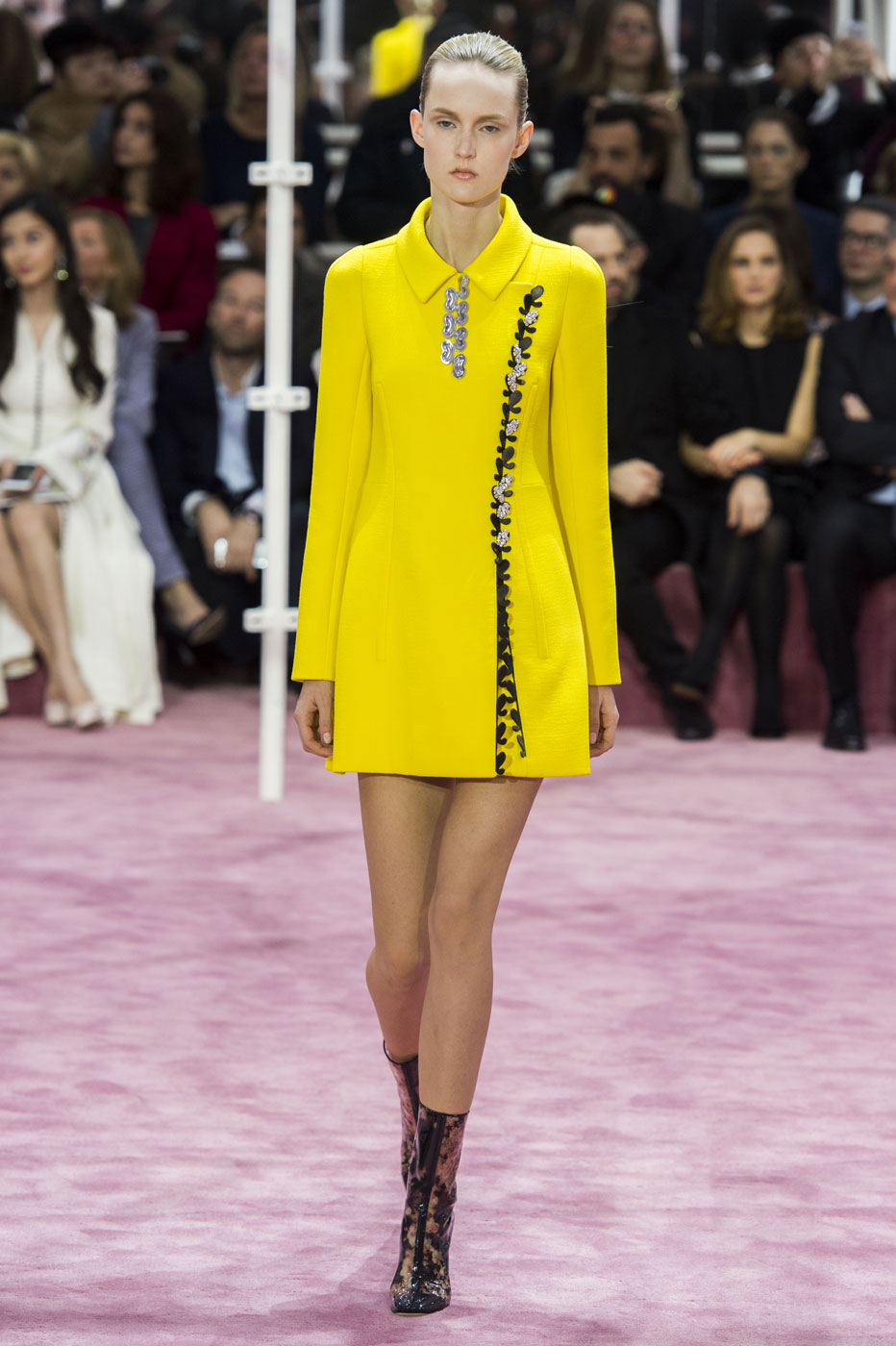 Christian-Dior-fashion-runway-show-haute-couture-paris-spring-summer-2015-the-impression-096