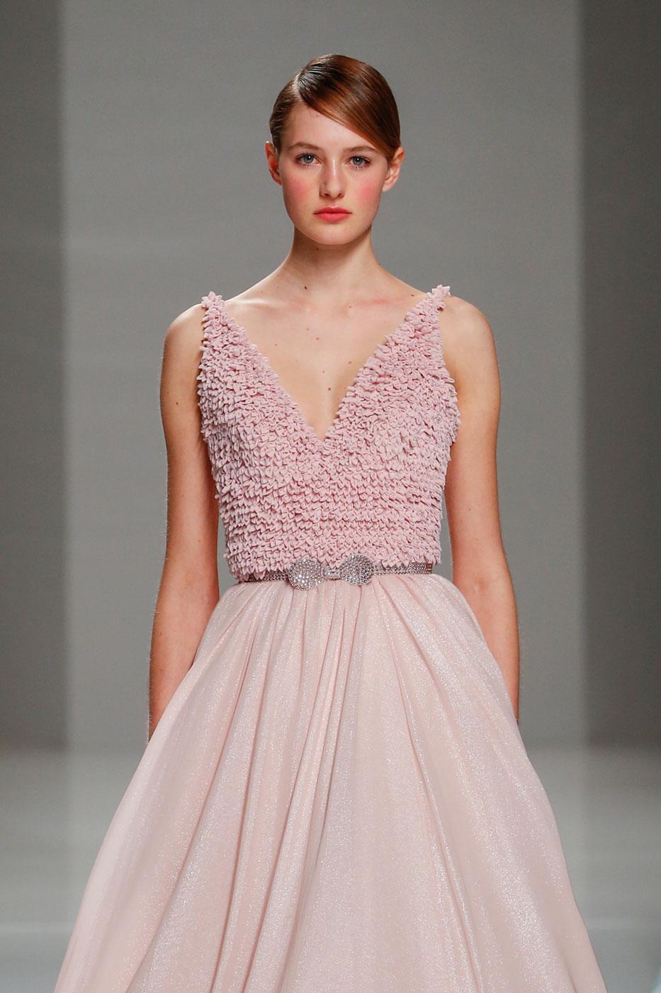 Georges-Hobeika-fashion-runway-show-haute-couture-paris-spring-2015-the-impression-44