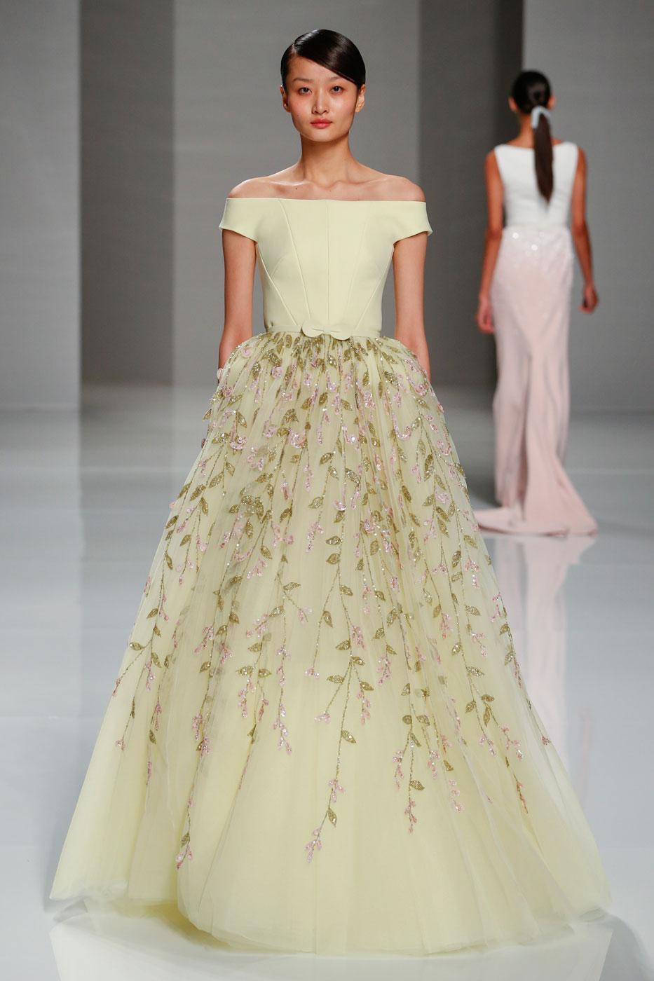 Georges-Hobeika-fashion-runway-show-haute-couture-paris-spring-2015-the-impression-73