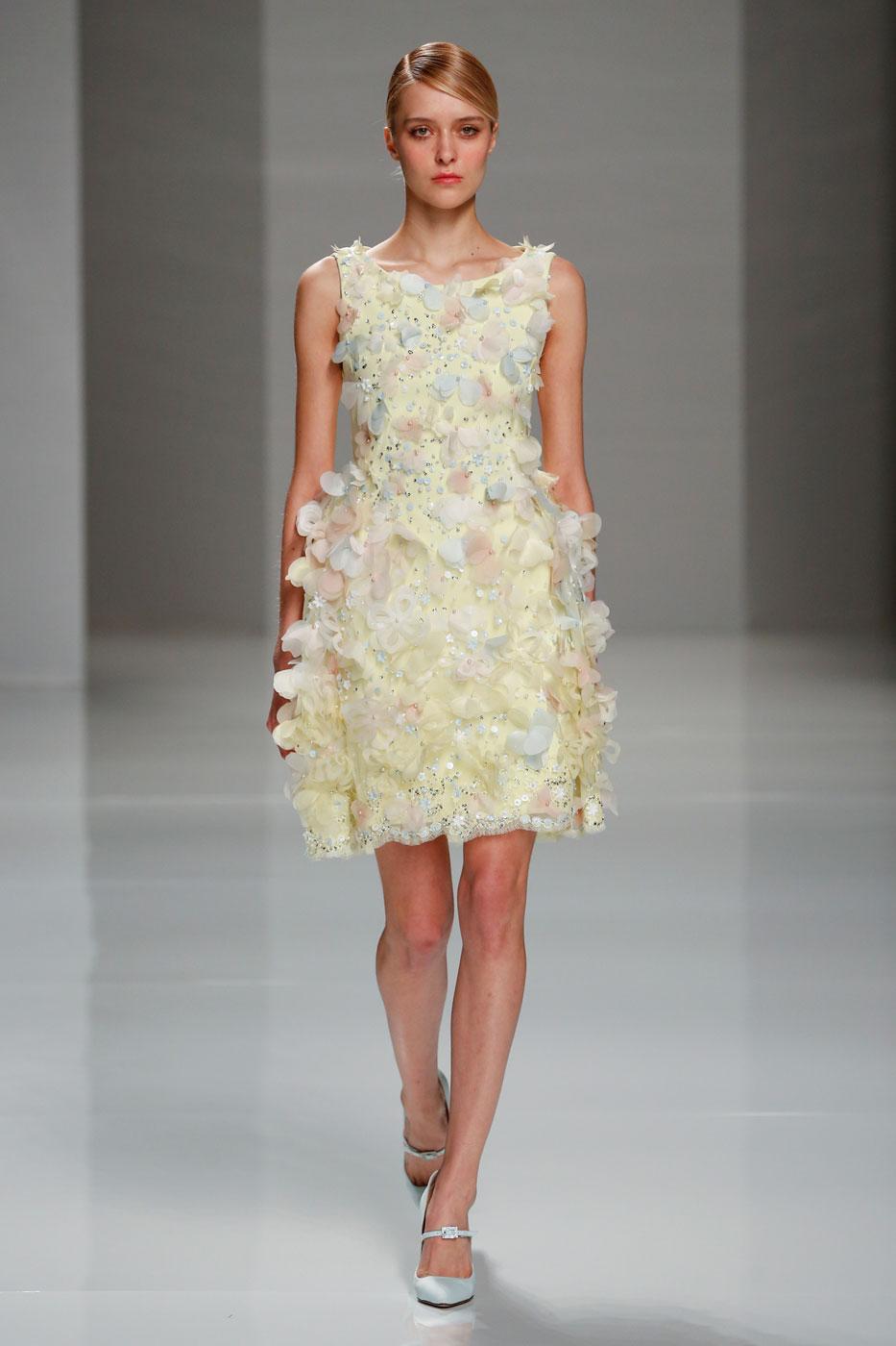 Georges-Hobeika-fashion-runway-show-haute-couture-paris-spring-2015-the-impression-79