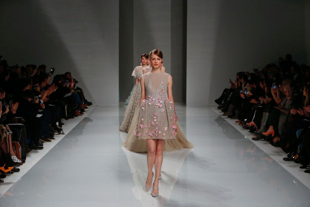 Georges-Hobeika-fashion-runway-show-haute-couture-paris-spring-2015-the-impression-87