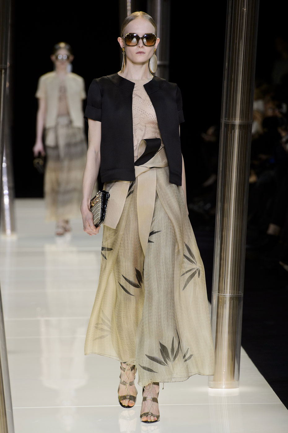Giorgio-armani-Prive-fashion-runway-show-haute-couture-paris-spring-2015-the-impression-021