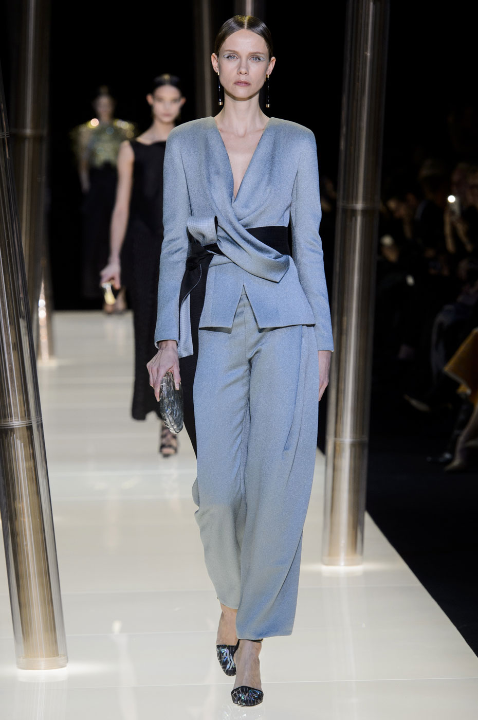 Giorgio-armani-Prive-fashion-runway-show-haute-couture-paris-spring-2015-the-impression-051