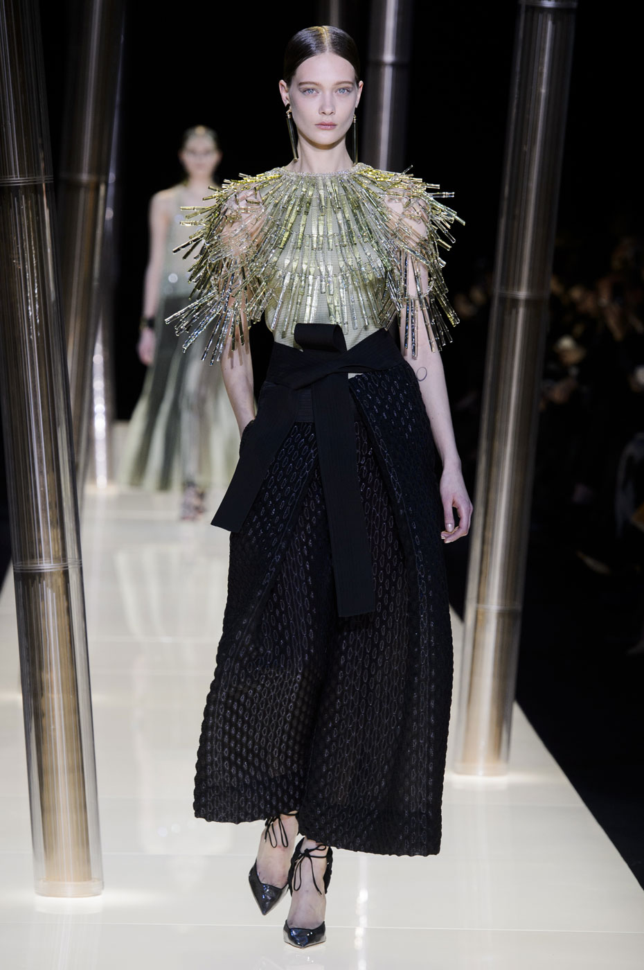 Giorgio-armani-Prive-fashion-runway-show-haute-couture-paris-spring-2015-the-impression-055