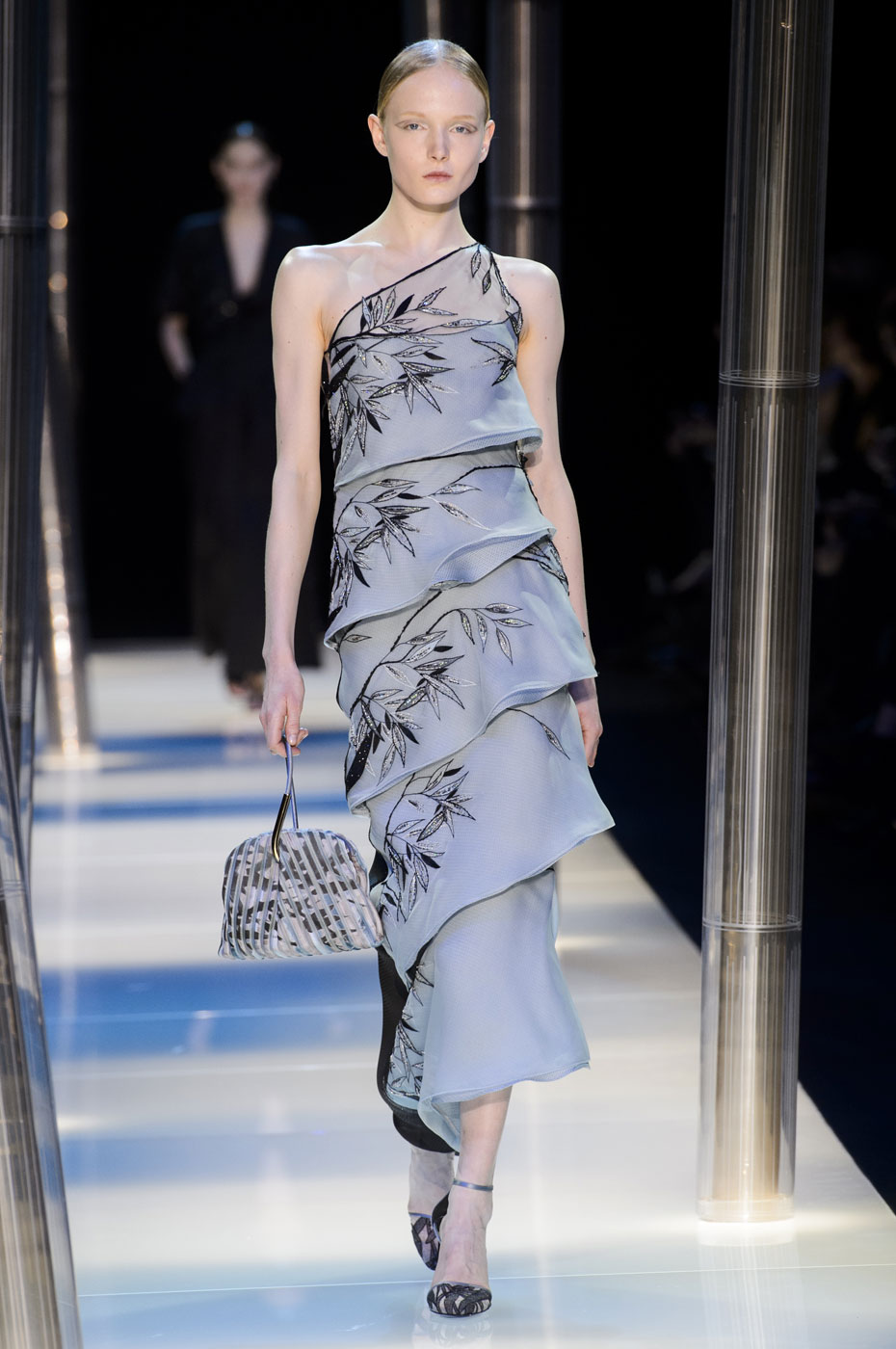 Giorgio-armani-Prive-fashion-runway-show-haute-couture-paris-spring-2015-the-impression-095