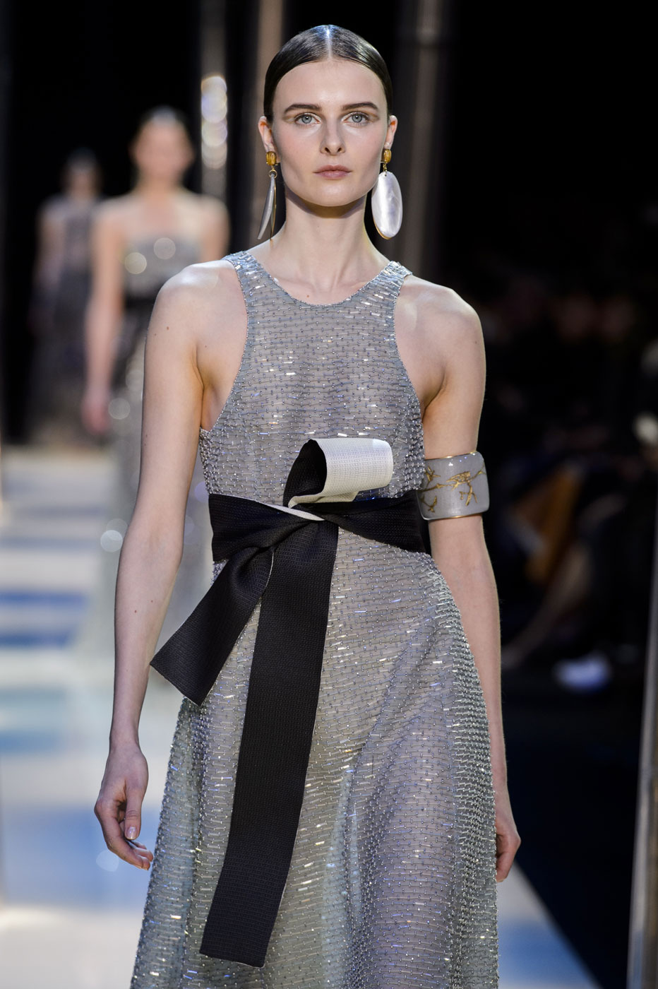 Giorgio-armani-Prive-fashion-runway-show-haute-couture-paris-spring-2015-the-impression-114