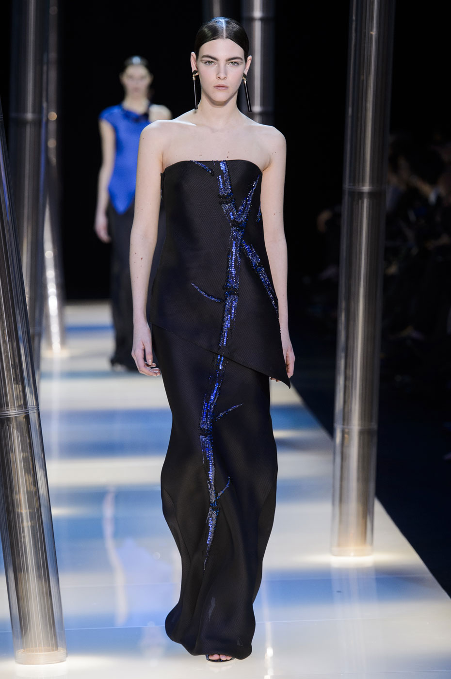 Giorgio-armani-Prive-fashion-runway-show-haute-couture-paris-spring-2015-the-impression-123