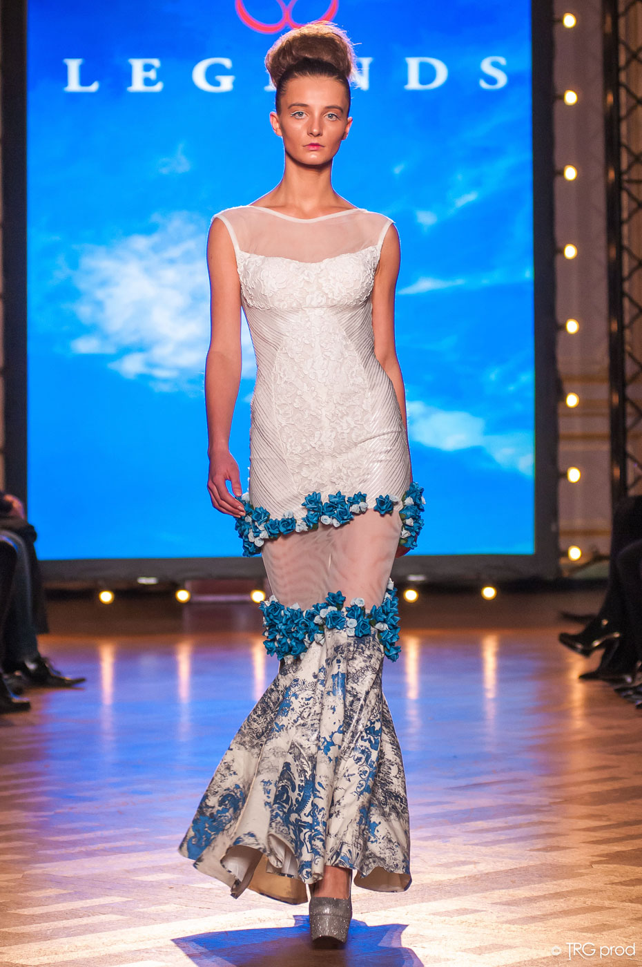 Legends-fashion-runway-show-haute-couture-paris-spring-2015-the-impression-06