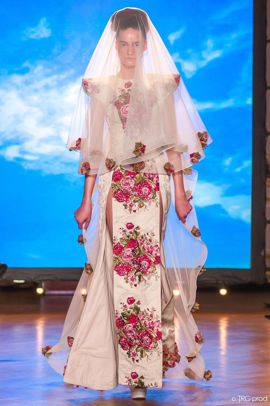 Legends-fashion-runway-show-haute-couture-paris-spring-2015-the-impression-22