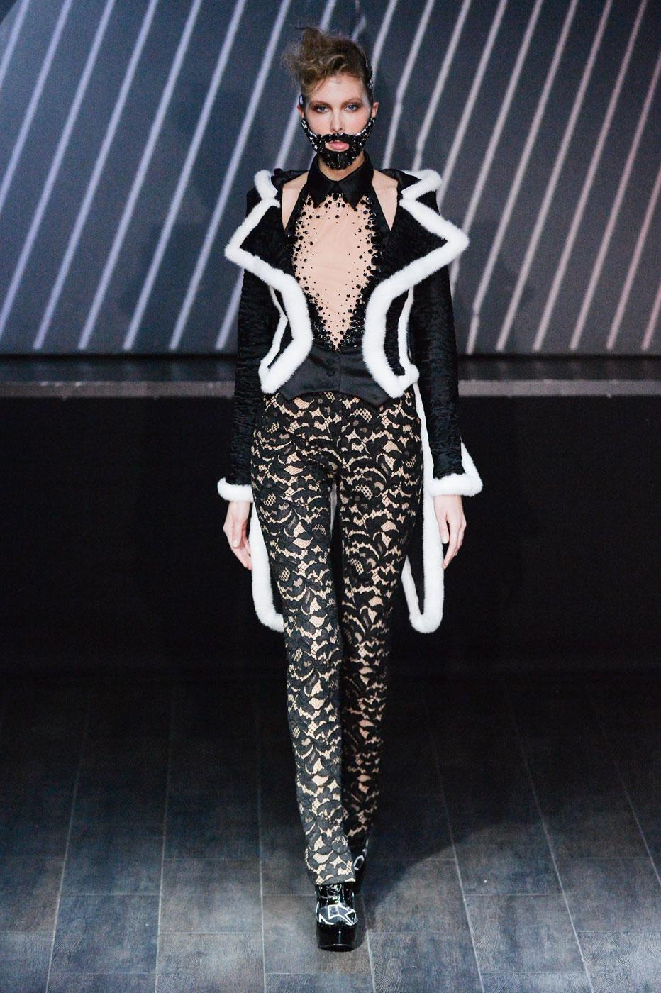 On-Aura-Tout-Vu-fashion-runway-show-haute-couture-paris-spring-summer-2015-the-impression-19