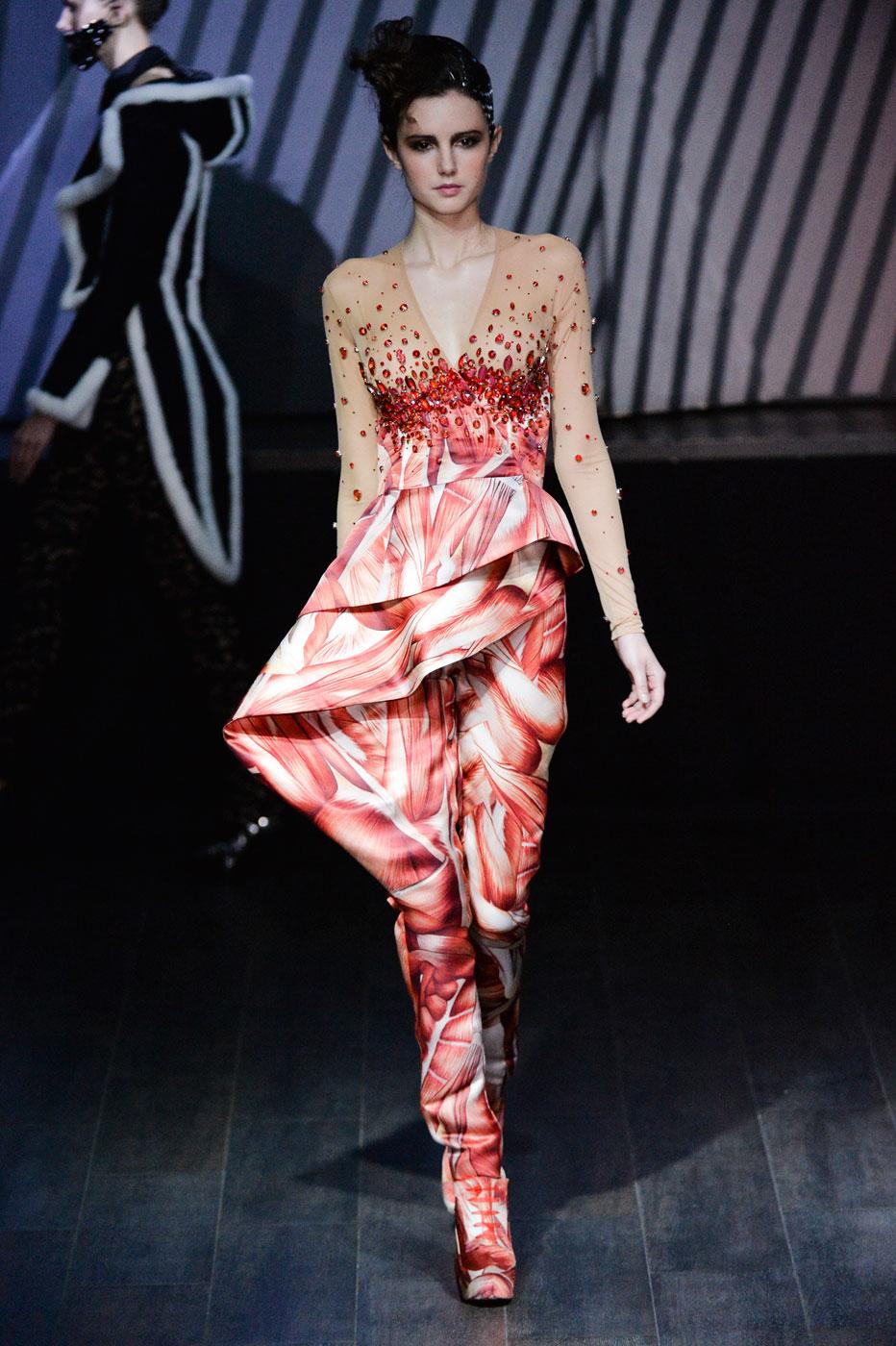On-Aura-Tout-Vu-fashion-runway-show-haute-couture-paris-spring-summer-2015-the-impression-23
