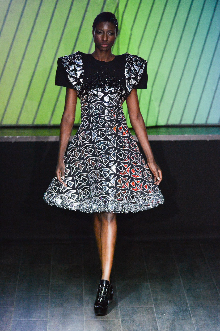 On-Aura-Tout-Vu-fashion-runway-show-haute-couture-paris-spring-summer-2015-the-impression-35