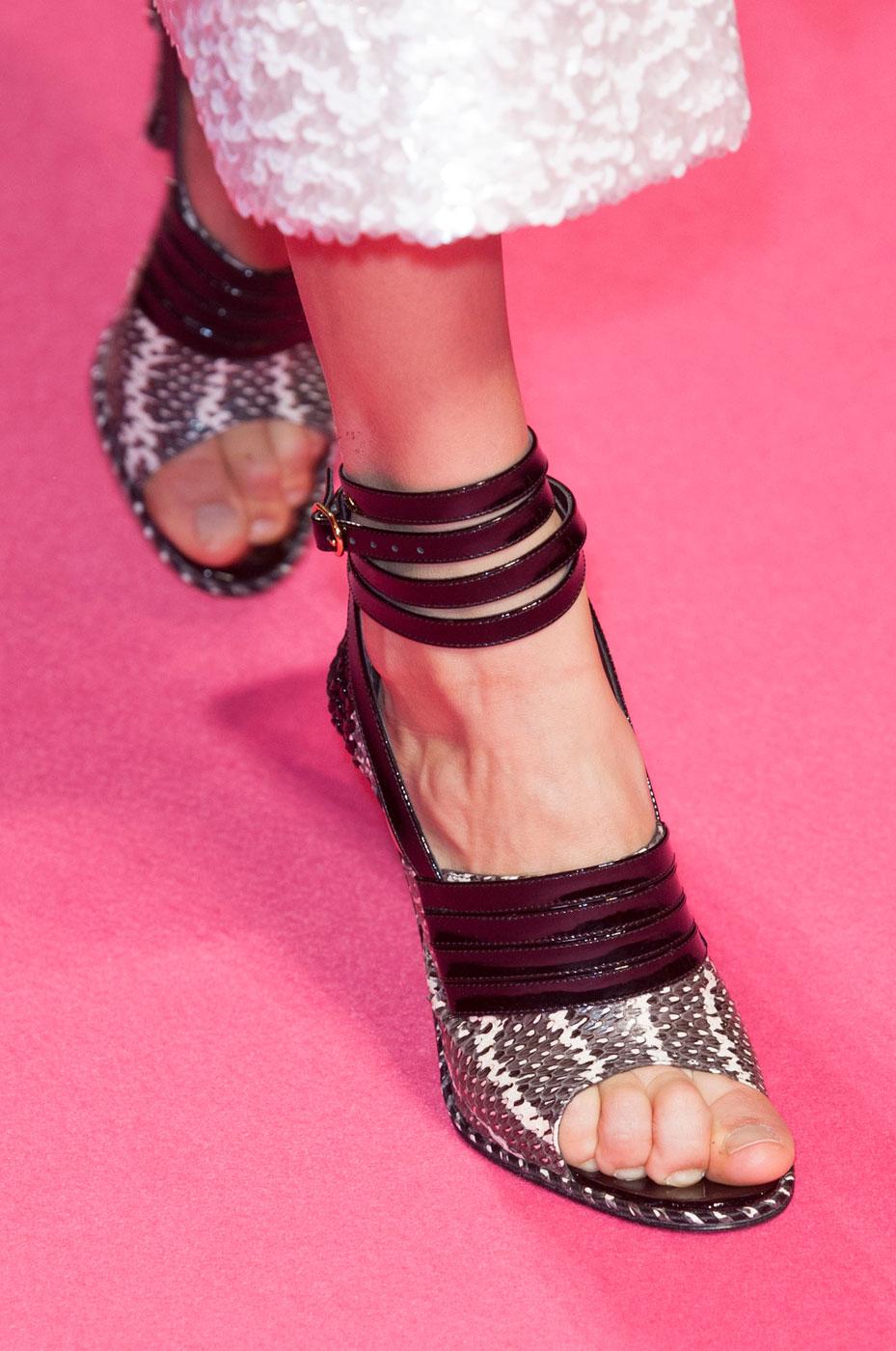 Schiaparelli-fashion-runway-show-close-ups-haute-couture-paris-spring-summer-2015-the-impression-05