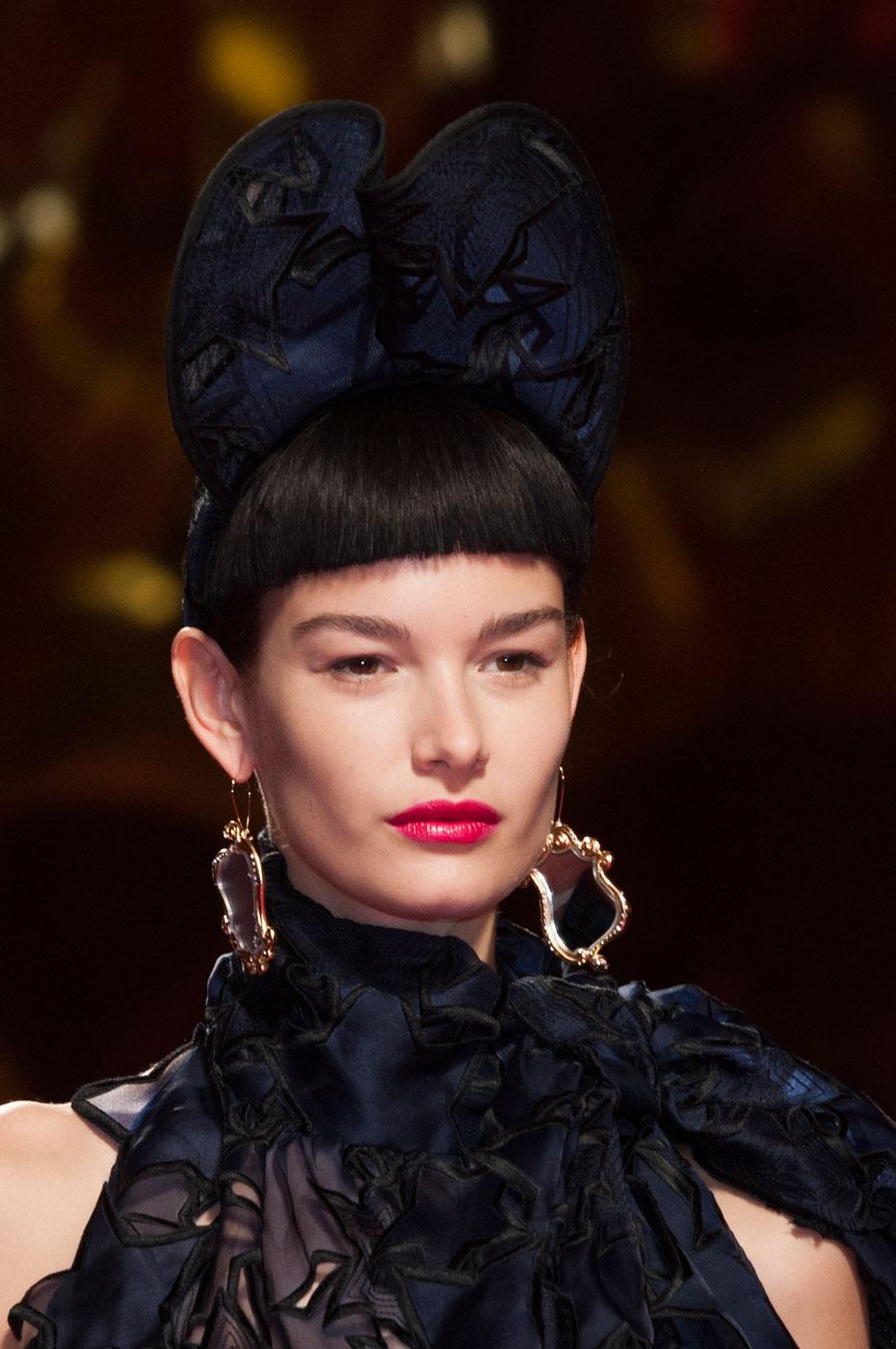 Schiaparelli-fashion-runway-show-close-ups-haute-couture-paris-spring-summer-2015-the-impression-09